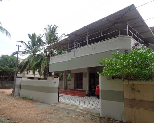 Thiruvananthapuram Properties kerala Karamana Junction near to Amritha channel House for sale